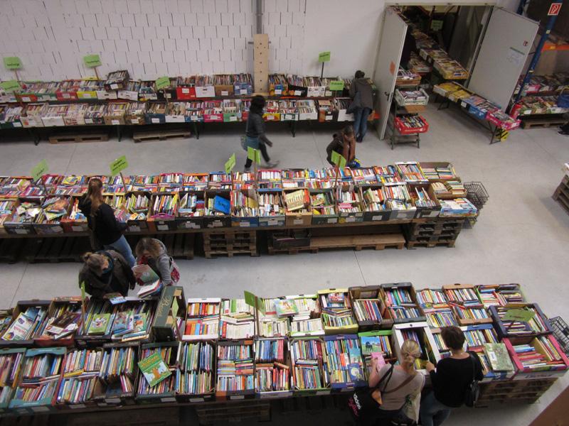 Großer Gebraucht-Bücher-Markt bei elops e.V.